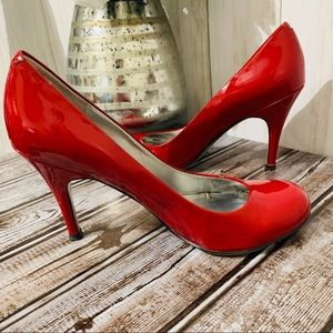 Jessica Simpson Red Patent JP Oscar pumps 6.5